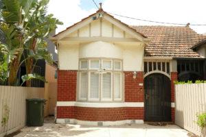 brick house elwood